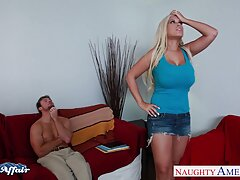هنگام تماشای تلویزیون ، دوشیرهای بزرگ دانلود بهترین فیلم سکسی دنیا این خانم از خط گردن می افتد