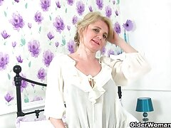 زن بهترینسکس دنیا انگلیسی به بازیگران انتخاب شد ، جایی که خروس کارگردان را مکید