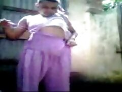 StrapOn - مادربزرگ پسری را با بهترین بازی سکسی جهان استرپون fucks