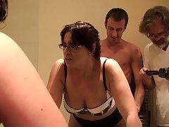 زن آلمانی بلوند با سینه های بزرگ مقعد را بهترین سکس های دنیا با یک کیرمصنع خودارضایی می کند