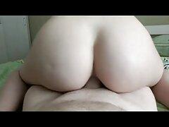 Busty بهترین فیلم سکسی جهان Latina در جوراب ساق بلند خروس با جوانان خود و از blowjob