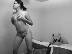 دختر نوجوان با اسباب بازی جنسی بازی بهترین سکس در دنیا می کند